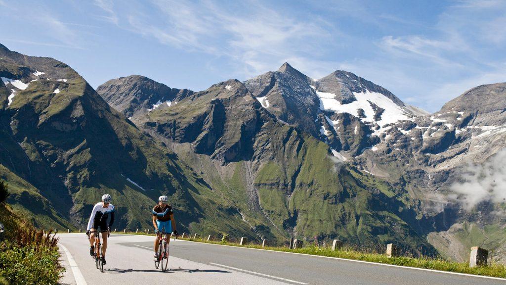 Rennradfahren im Pinzgau-Bergpanorama
