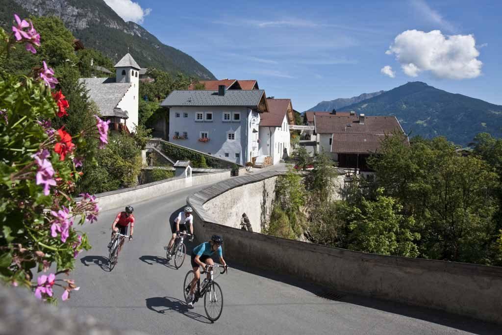 Rennradfahren in der Region TirolWest © TVB TirolWest - Daniel Zangerl