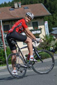 Brigitte Pirker beim Rennradfahren