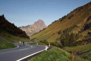Rennrad fahren am Hochtannbergpass © Bregenzerwald Tourismus
