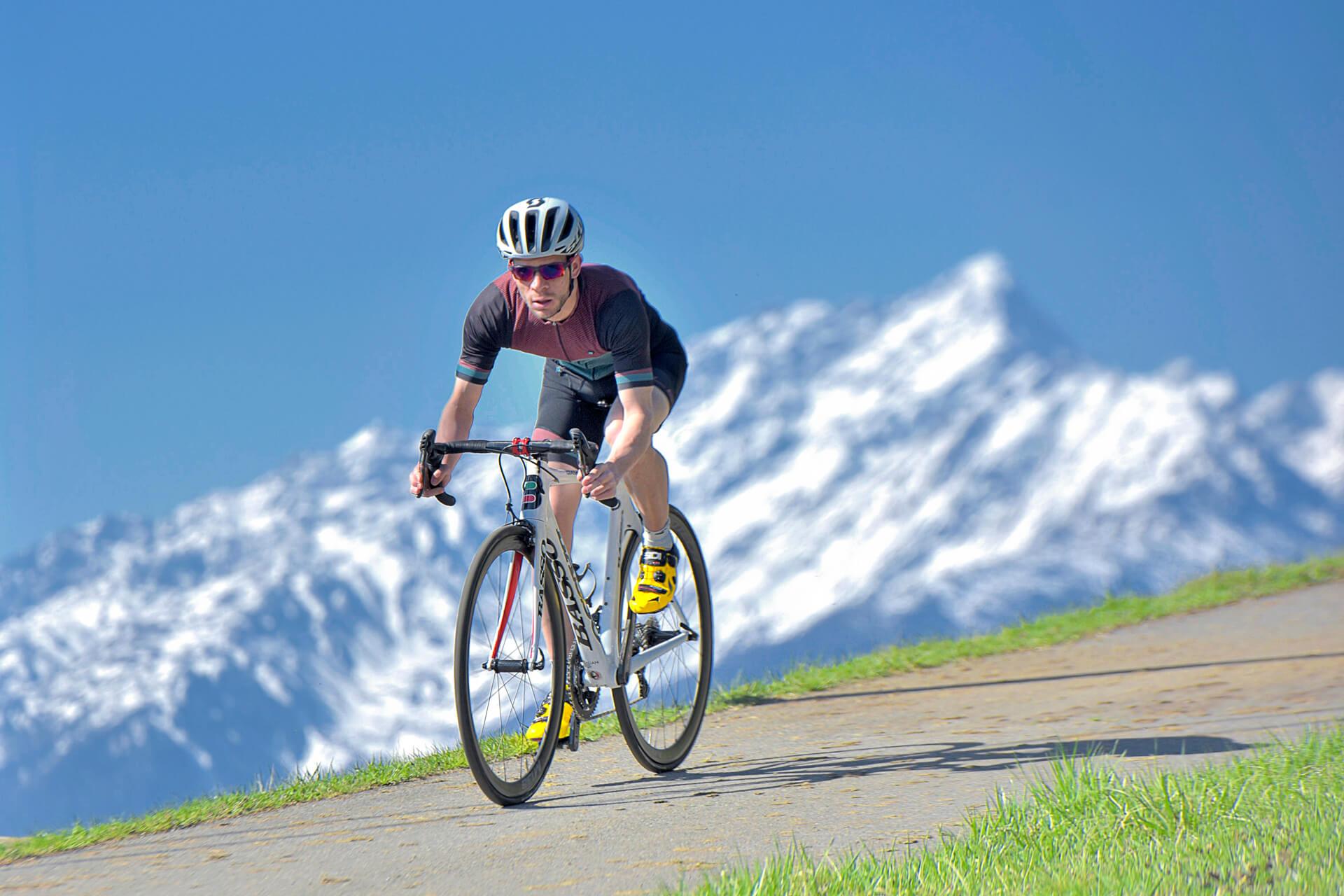Rennrad fahren im Vinschgau © BVA Bikemedia - Jürgen Amann